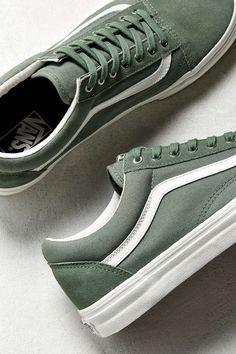 Slide View: Vans Old Skool Snake Sneaker Vans Sneakers, Tenis Vans, Green Sneakers, Girls Sneakers, Sock Shoes, Cute Shoes, Me Too Shoes, Shoe Boots, Vans Old Skool