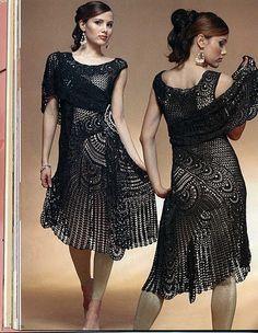 Este vestido, todo trabalhado em croche, é muito charmoso. Este xale veio para incrementar a roupa. Maravilhoso.  DA REVISTA Журнал Мод 545