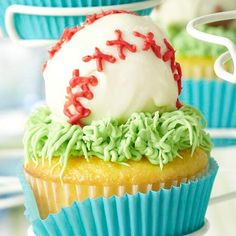 Celebrate your birthday boy with these awesome homemade cupcakes with sports themed frosting decoration. They will love these cool DIY desserts to have at their party!