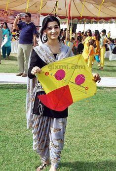 basant in lahore | Pakistani Girls Enjoy Basant Festival
