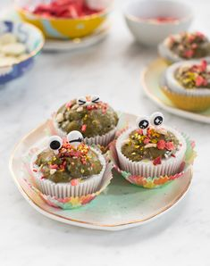 Monster Muffins / Re