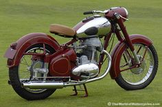 1952 Jawa motorcycle--dad has a Jawa, its my fav! European Motorcycles, American Motorcycles, Vintage Motorcycles, Cars And Motorcycles, Motorcycle Engine, Motorcycle Design, Vintage Cycles, Vintage Bikes, Classic Motors
