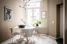 Gravity Home: Luxurious Scandinavian Apartment Warm Interior, Beige Walls, Gravity Home, Colorful Interiors, Interior, Dining Room Small, Home, White Furniture, Beige Kitchen