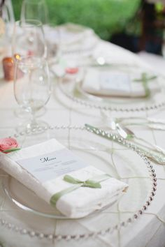 Garden Wedding Venue | Ivory and Pink | Glass Chargers from @Southern Events | Menu Card - Photo: Kristyn Hogan