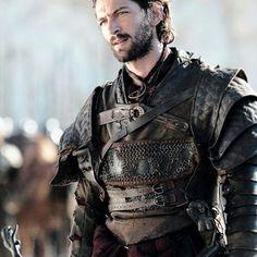 Game of Thrones(HBO): Michael Huisman as Daario Naharis Winter Is Here, Winter Is Coming, Larp, Got Serie, Michael Huisman, Game Of Thrones 4, Game Of Thrones Clothing, Game Clothing, Game Of Thrones Characters