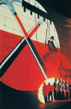 Pink Floyd - The Wall 'Hammers'