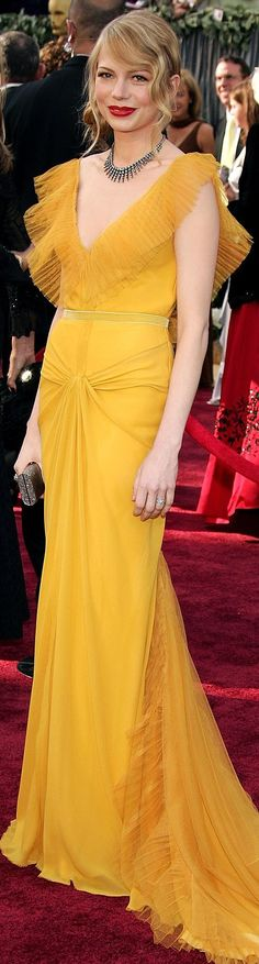 #TBT Michelle Williams in Vera Wang at the 2006 Academy Awards