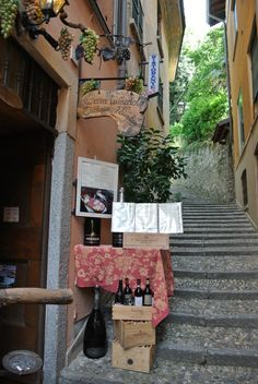 Enoteca in Bellagio. Places, Italy, Lugares
