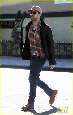 6e9ca203f7 Ryan Gosling in the Classic Moc Ryan Gosling Fashion
