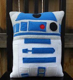 R2D2 star wars oreiller coussin cadeau par telahmarie sur Etsy, $30.00