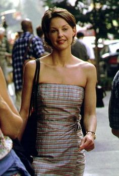 One of my favorite haircuts! Ashley Judd in Someone Like You...