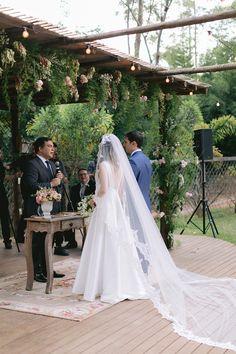 Casamento clássico ao ar livre com toque inglês em Atibaia – Larissa Engagement Gowns, Boho Chic, Lace Wedding, Wedding Dresses, Toque, Wedding Stuff, Fine Art, Blog, Fashion