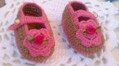 Sapatinhos de bebê  Confeccionados com linha 100% algodão