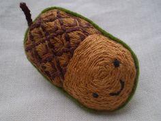 Acorn brooch