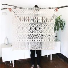 We ❤️ this piece from Such beautiful work! Tag your photos with to share your projects with us! Macrame Design, Macrame Art, Macrame Projects, Macrame Knots, Micro Macrame, Macrame Modern, Macrame Curtain, Macrame Plant Hangers, Deco Boheme