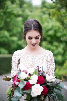 67 Trendy Wedding Makeup For Bride Burgundy Modern Wedding Flowers, Chic Wedding, Trendy Wedding, Luxury Wedding, Dream Wedding, Wedding Blog, Wedding Ideas, Wedding Shit, Wedding Details