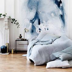 #WestwingNL. bed met vlekken behang. Voor meer inspiratie: westwing.me/shopthelook