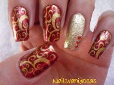 De Nailsvanidosas: Celebrando inicio de año con los colores del amor y prosperidad. #nailart #artedeuñas #nails