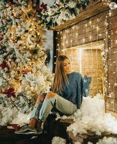Xmas Pictures, Xmas Pics, Son Luna, Christmas Fashion, Youtubers, Nice Dresses, Rap, Celebs, Photoshoot