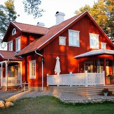 Red Roof House, Red Houses, Red Farmhouse, Backyard Swings, Swedish House, Scandinavian Home, House In The Woods, House Colors, My Dream Home