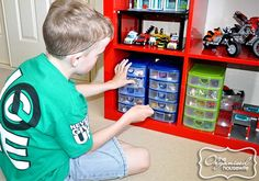Lego storage and organising ideas for a boys bedroom - can always be used for other toys