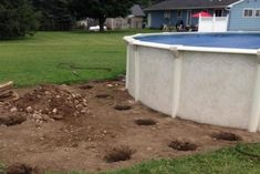 Above ground pool feature: Then, he dug holes deep enough to hold support beams. Patio Plan, Pool Deck Plans, Pergola Plans, Swiming Pool, Outdoor Swimming Pool, Above Ground Pool Decks, In Ground Pools, Dumpster Pool, Diy Pool