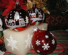 Red Glass Vintage Christmas Ornaments with Flocked Snowflakes and Handpainted Christmas Houses with Pine Trees Scenes Christmas Baubles To Make, Ghost Of Christmas Past, Vintage Christmas Ornaments, Retro Christmas, Christmas Home, Christmas Tree Decorations, Christmas Bulbs, Christmas Crafts, Ornaments Ideas