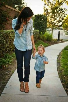Dresses for mother and daughter, mother daughter pictures, mother daughter outfits Mother Daughter Pictures, Mother Daughter Matching Outfits, Mommy And Me Outfits, Family Outfits, Girl Outfits, Mother Daughters, Future Daughter, Mother Daughter Shirts, Mother Jeans