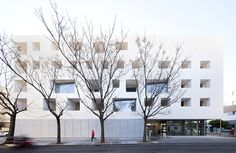 de la-hoz builds volumes of glass and concrete for cordoba university - designboom | architecture