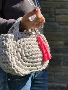 Marvelous Crochet A Shell Stitch Purse Bag Ideas. Wonderful Crochet A Shell Stitch Purse Bag Ideas. Crochet Clutch, Crochet Handbags, Crochet Purses, Crochet Bags, Crochet Diy, Crochet Quilt, Love Crochet, Purse Patterns, Crochet Patterns