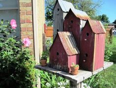 rustic birdhouses | Pinned by Renae Branstetter/ Mobley
