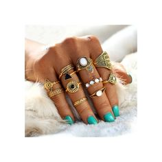 ‌With our ring sets you get value for money. Multiple rings, all in different sizes. You can mix and match the rings with any finger. Per ring and person it will vary on what finger it will fit. The part of the finger where the ring fits Hippie Chic, Hippie Style, Boho Chic, Bohemian Style, Bohemian Summer, Ethnic Style, Hippie Bohemian, Gypsy Style, Leaf Engagement Ring