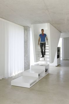 Gang, hal & trappenhuis van Wiel Arets Architects