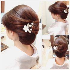 ・ お着物☆ ・ 和髪×シニヨン♡ ・ ・ #ヘアセット #和髪 #ヘアアレンジ #着物 #ヘアスタイル #アップ #hair #hairset #hairarrange #ヘアメイク ... Mother Of The Bride Hair, Roll Hairstyle, Hair Arrange, Hair Setting, Japanese Hairstyle, Love Hair, Bride Hairstyles, Bridesmaid Hair, Hair Dos