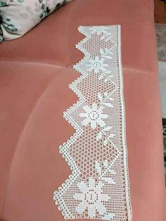Romantic white filet crochet table doily or runner, rustic or cottage chic style, afternoontea wedding decor, garden tea party Crochet Dollies, Crochet Lace Edging, Crochet Leaves, Crochet Borders, Crochet Art, Filet Crochet, Love Crochet, Crochet Patterns, Jacob's Ladder