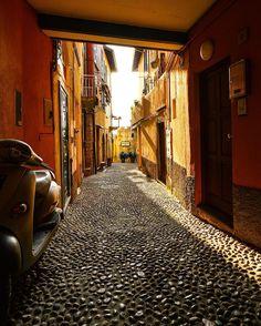 Italian street Bellagio  #SennaRelax #prayforlahore #prayforpakistan #stopterrorism  #PrayForTheWorld by sennarelax