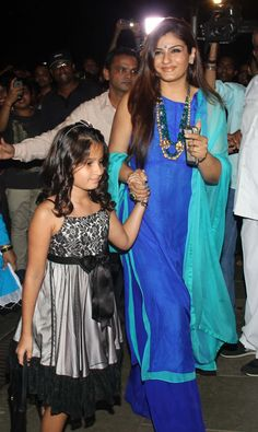 Hrithik Roshan, Shilpa Shetty Kundra, Kiran Rao and many other celebrities brought their kids to Aaradhya Bachchan's birthday bash Indian Attire, Indian Wear, Pakistani Outfits, Indian Outfits, Stylish Dresses, Simple Dresses, Suit Fashion, Fashion Dresses, Desi Wedding Dresses