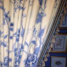 Blue & White curtains et belle passementerie !