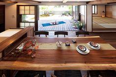 蛭谷和紙を使った建具ごしに眺める、富士山や浅間山の石などを配した庭は、情緒たっぷり。絵になる風景だ。