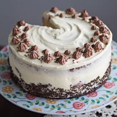 This Easy Profiterole Cake with Mascarpone Frosting is a very delicious treat that you can prepare for your friends and family!