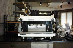 머신판매. . 커피와이에서 사용하던 산레모 머신을 분양합니다. 분해하여 기본적인 청소 및 점검 완료하였습니다. 깨끗한 머신 필요하신 분 DM 부탁드려요. 서울 송파구 문정동입니다. . . #coffeemachine #espressomachine #sanremo #coffee #cafe #instadaily #판매 #머신 #커피머신 #에스프레소머신 #커피 #카페 #커피스타그램 #카페스타그램 #일상 #소통 #맞팔 #팔로우 #문정동 #송파구 #송파 http://ift.tt/1VbgBi2