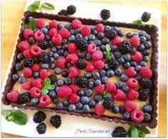 Getting Raw: Fresh Fruit Vanilla Tart with Chocolate Brownie Crust