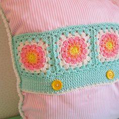 Color 'n Cream: Pastel #Crochet Cushion - cute!