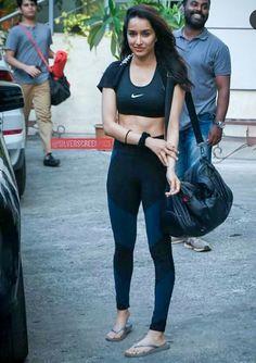 Indian Bollywood Actress, Bollywood Girls, Dance Outfits, Sexy Outfits, Virat Kohli And Anushka, Shraddha Kapoor Cute, Deepika Padukone Style, Girls Who Squat, Prettiest Actresses