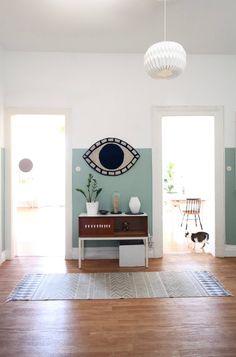 FlurBlick ● | SoLebIch.de, Foto von Mitglied MiMaMeise #solebich #einrichtung #interior #interiordesign #flur #corridor #wallcolour #turquoise