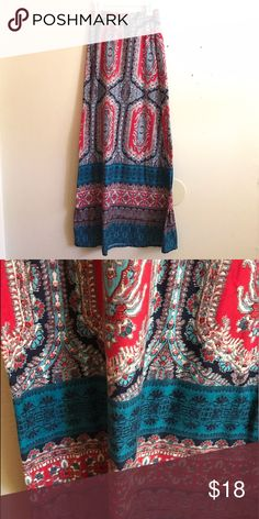 Pretty Maxi Skirt Very pretty maxi skirt in great condition! Only worn once. Perfect for summer! Size Small. Skirts Maxi