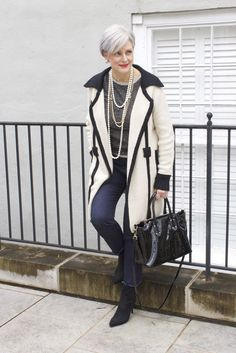The Best Fashion Ideas For Women Over 60 - Fashion Trends Over 60 Fashion, Mature Fashion, Over 50 Womens Fashion, 50 Fashion, Winter Fashion, Fashion Outfits, Fashion Trends, Stylish Older Women, Chic Over 50