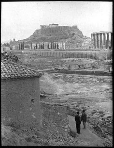 Grèce ; Athènes; Acropole Vue prise du temple Olympieion Photographe Roy, Lucien (architecte) Date prise vue 1908 Greece Pictures, Old Pictures, Old Photos, Athens History, Greek History, Greece Photography, Parthenon, Temple, Athens Greece