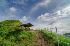 Top 10 Fun Things to do in Tagaytay, Philippines Tagaytay Philippines, Things To Do, Country Roads, Tropical, House Styles, Summer, Top, Things To Make, Summer Time