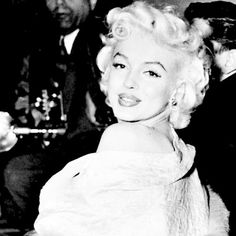 Marilyn at the Premiere for East of Eden in March 1955.